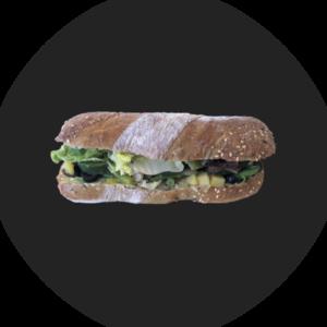 Sandwich mit mediterranem Gemüse gebraten